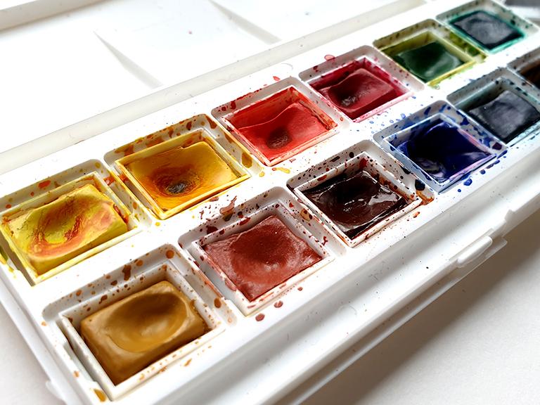 watercolour-paint-palette